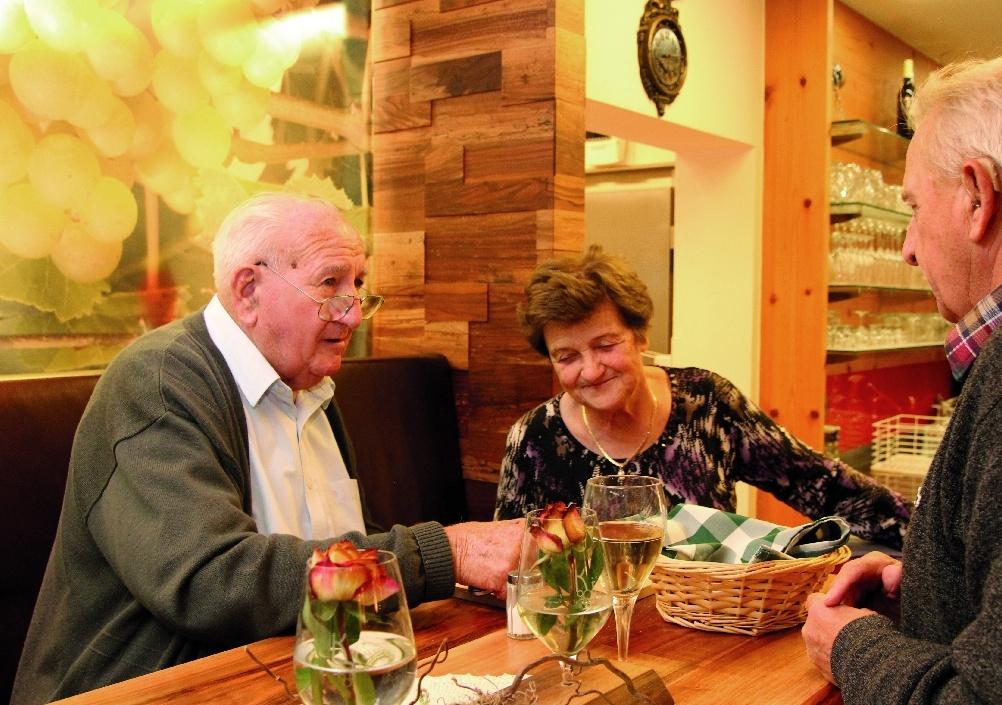 Großeltern: Josef und Antonia Krenn, v.li.