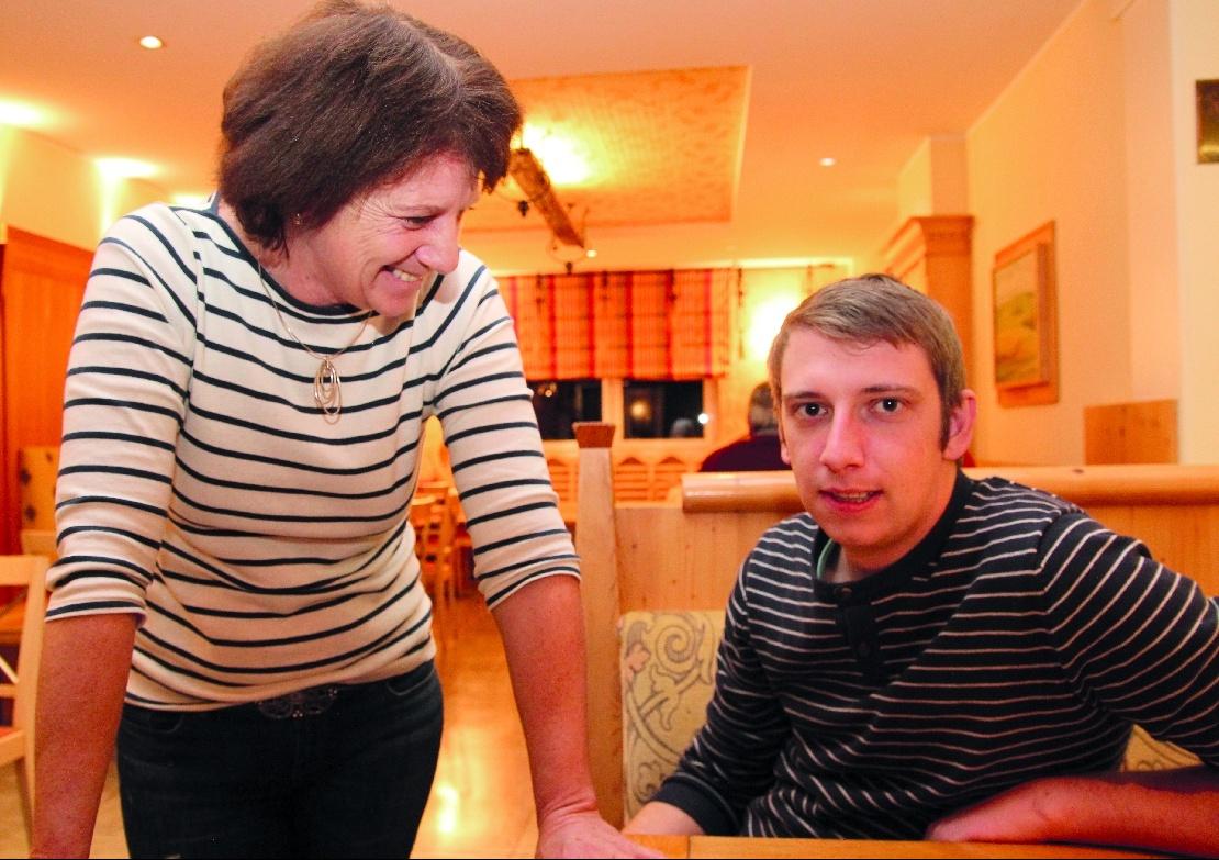 Mutter und Bruder: Helga Krenn und Gabriel Kniely.